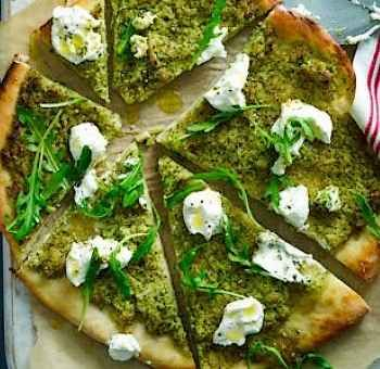 Pizza brocoli pesto