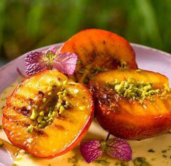 Brugnons grillés aux pistaches