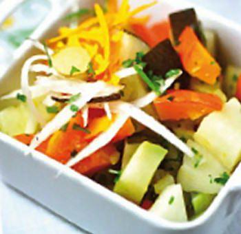 Marmitte de légumes crus et vapeur