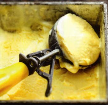 Glace à l'huile d'olive