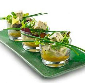 Salades mélangées au tofu