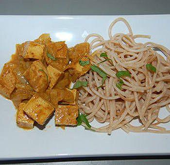 Tofu curry et lait d'amandes