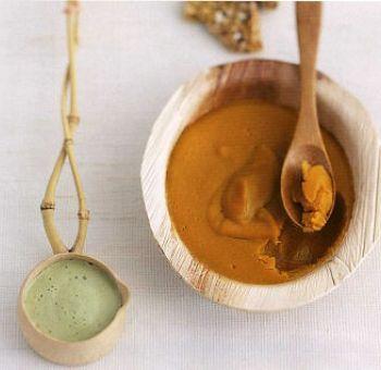 Crème caramel, coulis d'amandes au thé vert