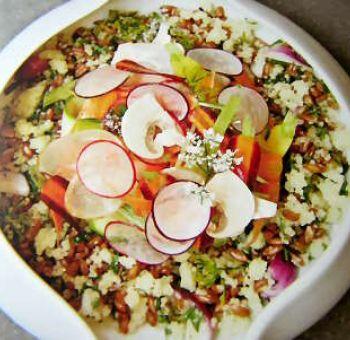 Quinori, légumes croquants et pistou d'herbes