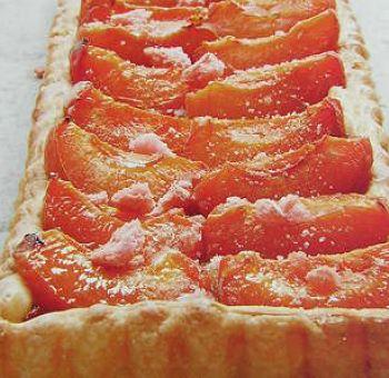Tarte aux abricots et rhubarbe