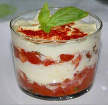 Tiramisu tomates et basilic