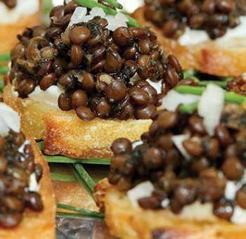 Toasts de lentilles caviar
